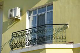застеклить французский балкон